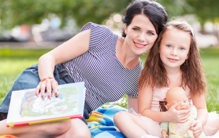 4 Proven Marketing to Mom Tactics for Selling Toys this Summer